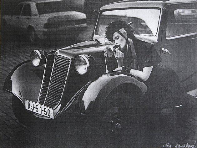 SÁŘINA PĚTILETKA. Vystavené snímky fotila Sára Saudková na dvouokou a jednookou zrcadlovku Yashica a Hasseblad.