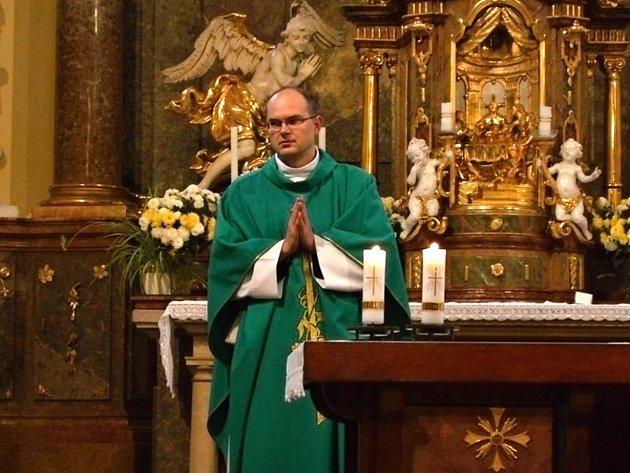 Oslavanský římskokatolický farář Jaromír Gargoš.