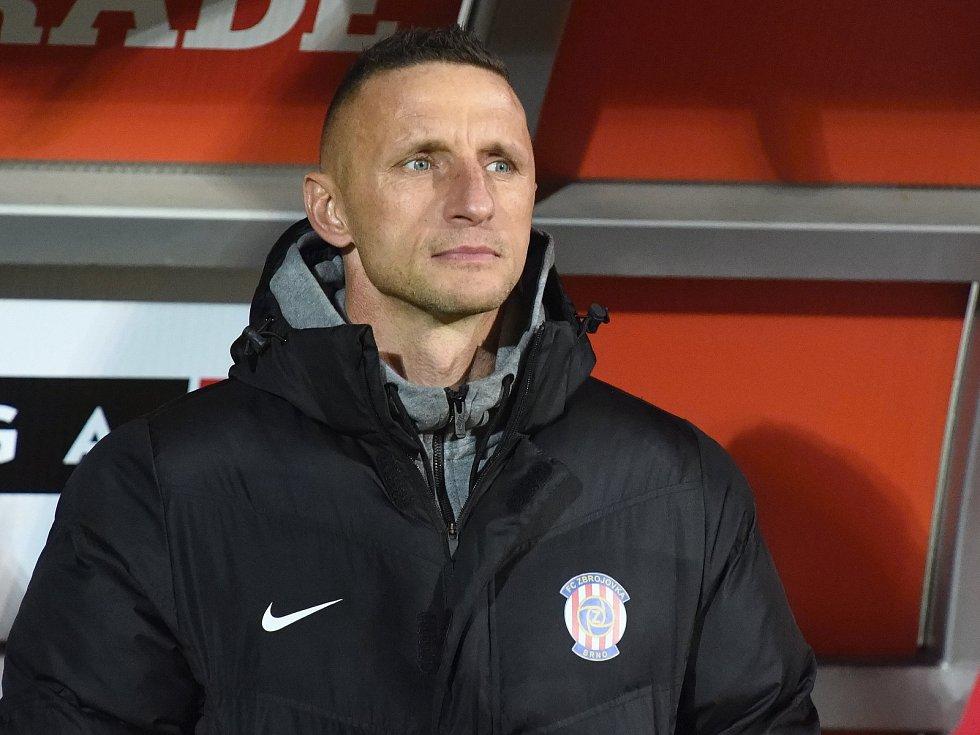 Trenér Zbrojovky Pavel Šustr.