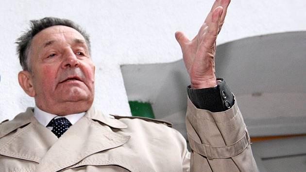 První místopředseda Národní strany Jan Skácel.