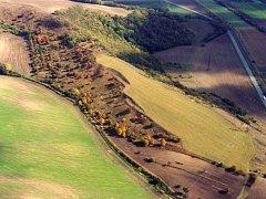 Nenápadný vrch Člupy ukrýval pozůstatky hradiště z doby kamenné. V současnosti je přírodní rezervací a evropsky významnou lokalitou.