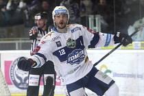Gólovou přestřelku přineslo utkání sedmnáctého kola hokejové extraligy mezi brněnskou Kometou a Plzní. Hosté drželi s domácím týmem krok, přesto však podlehli 5:8. V dresu hostů se blýsknul čtyřmi góly forvard Dominik Kubalík.