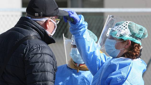 Do tohoto týdne zemřelo na jihu Moravy s pozitivním testem na nový koronavirus přes dva a půl tisíce lidí.