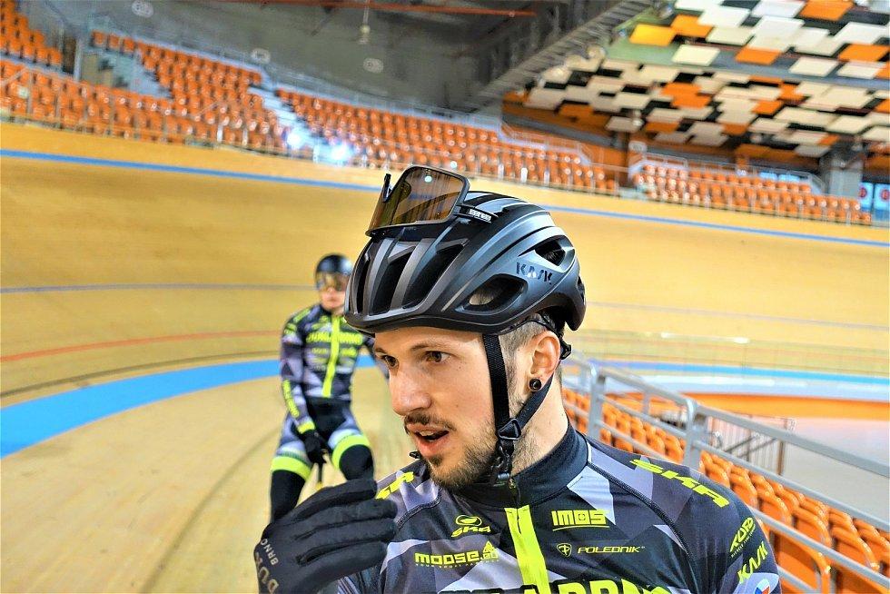 Dráhoví cyklisté brněnské Dukly (Dominik Topinka) strávili další dva týdny na soustředění v Bulharsku.