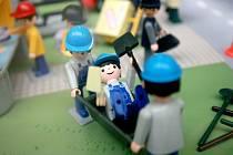 Vyzkoušet si, jak fungují fyzikální přístroje jako kladky a ozubená kola nebo si ověřit své znalosti prostřednictvím interaktivních kvízů. Nejen to čeká na návštěvníky Nákupního centra Královo pole na interaktivní výstavě Poznávej s Igráčkem.