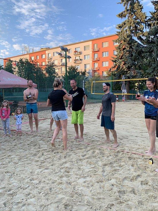 Už posedmé si přátelé beachvolejbalem připomněli sportovního redaktora Rovnosti Marka Těšíka.