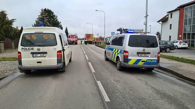 Při středeční nehodě osobního a nákladního auta mezi brněnskými Tuřany a Telnicí.