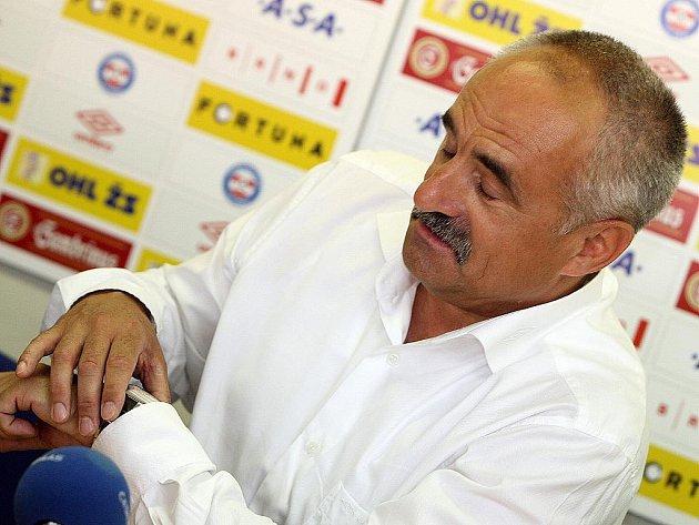 Karel Večeřa.