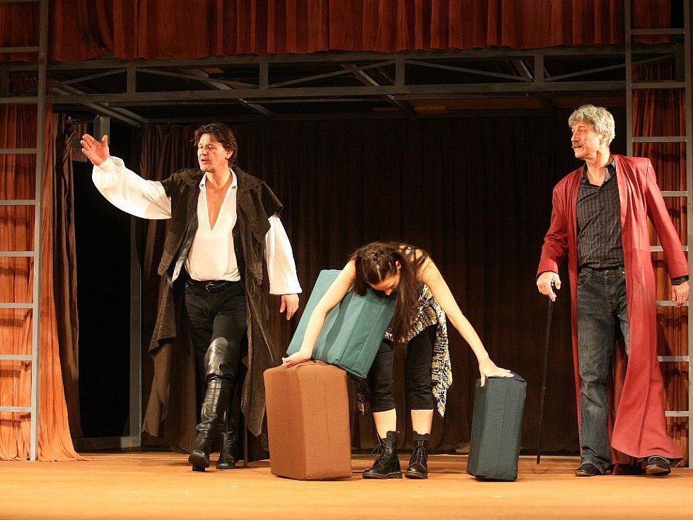 Zkrocení zlé ženy v pojetí Městského divadla Brno.