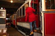 Depozitář Dopravního podniku města Brna v Líšni ukrývá až šedesát starých tramvají.