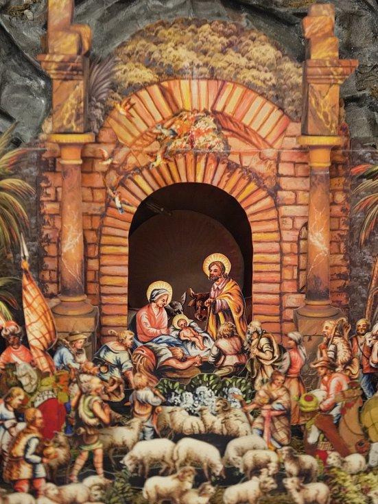 Století staré modely Betlému nebo možný historický objev lze spatřit na týdenní výstavě v Předkláštěrí. Kromě nich si návštěvníci mohou spatřit kresby andělů žáků místní základní školy.