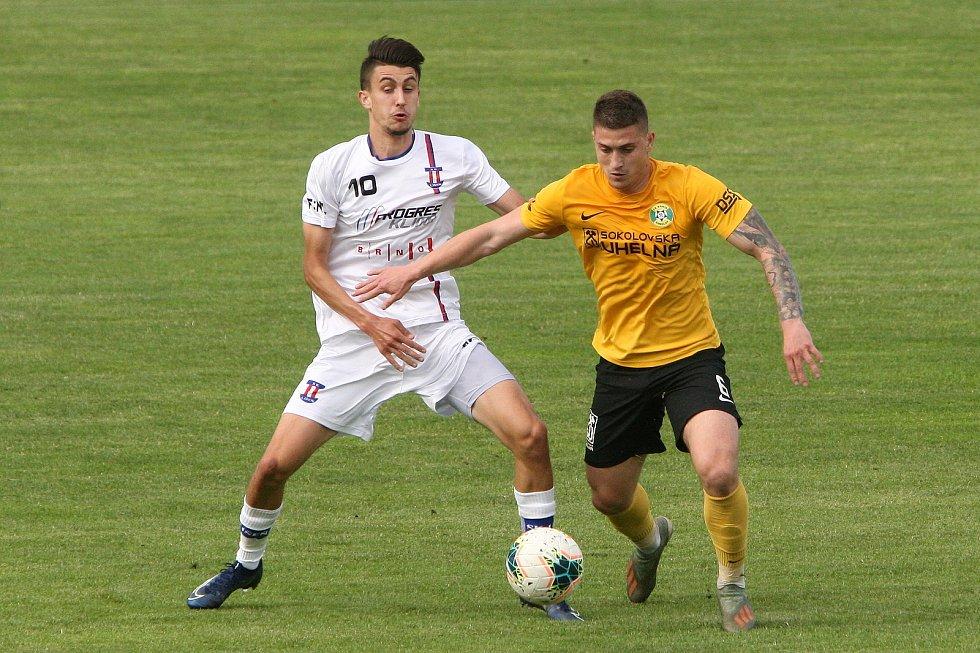 24.6.2020 - 26 kolo F:NL mezi domácí SK Líšeň (bílá - Marek Matocha) proti FK Baník Sokolov (žlutá - Daniel Kovář)