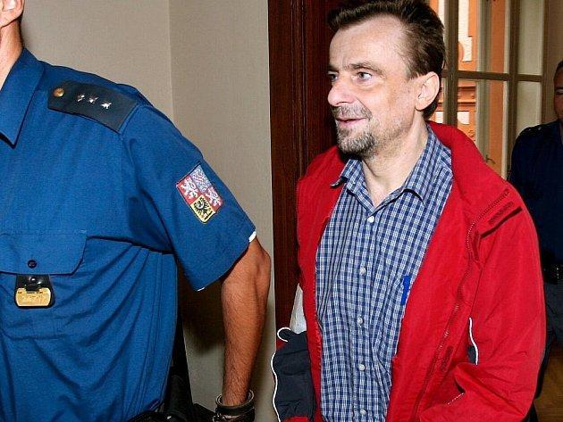 Skupina podnikatelů před brněnským soudem - Alexander Filipovič.