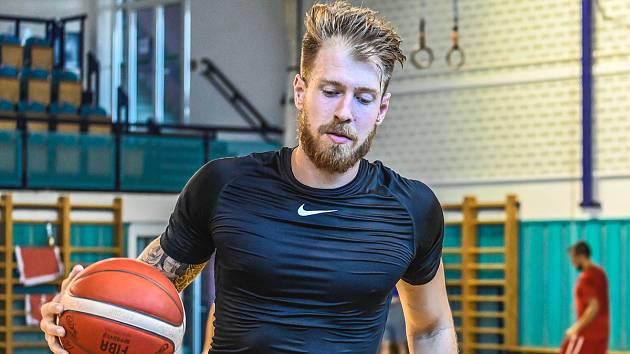 Český basketbalový reprezentant Patrik Auda pochází z Ivančic.