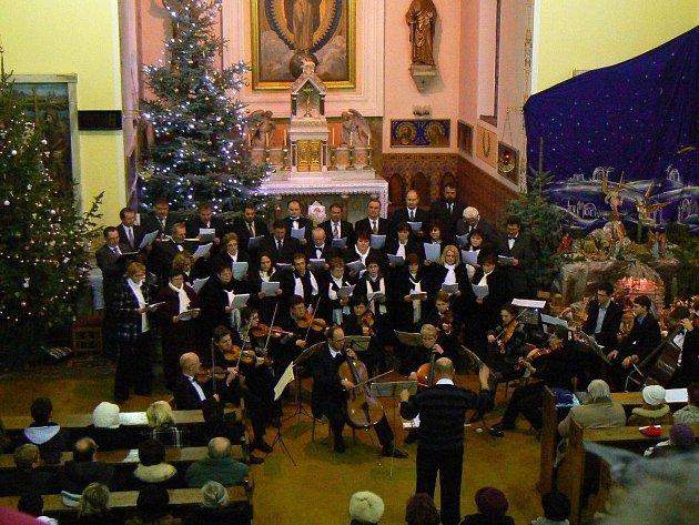 Sbor sv. Cecílie. Zazpívá ve čtvrtek při vysazování památné lípy ve Vacenovicích