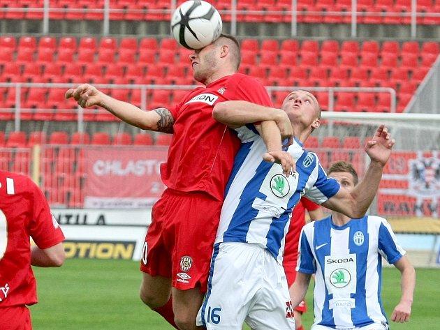 Zbrojovka Brno (v červeném) versus Mladá Boleslav 1:1.