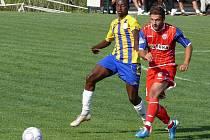 Fotbalisté Zbrojovky (v červeném) přehráli slovenskou Dunajskou Stredu 3:1