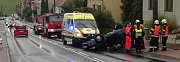 Na střeše skončilo osobní auto po páteční nehodě kolem deváté hodiny ráno v Ondrově ulici v brněnských Kníničkách.