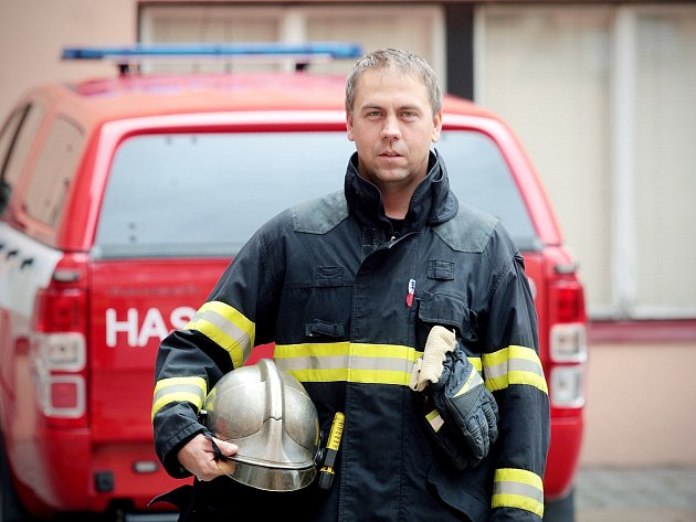 Velitel hasičů z brněnské stanice Lidická Tomáš Richter.