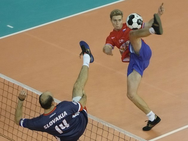 Modřický nohejbalista Lukáš Rosenberk na brněnském mistrovství světa.