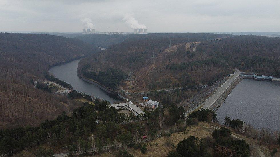 Vodní dílo Dalešice je zásobárnou technologické vody pro nedalekou Jadernou elektrárnu Dukovany.