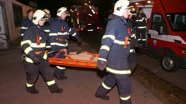 Cvičení brněnských hasičů.