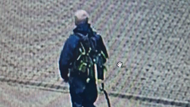 Foto zmizelého muže.