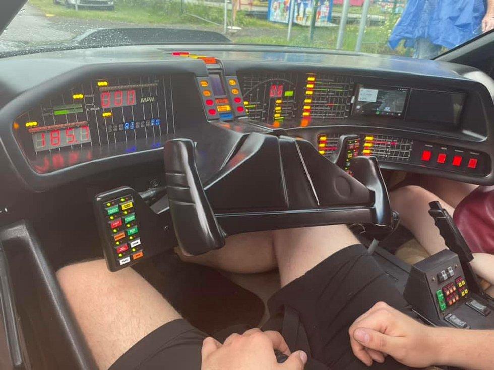 Největší sraz amerik v České republice si užili fanoušci aut v jihomoravských Pasohlávkách. Lucky Cruisers Weekend, 10.-13. června 2021.