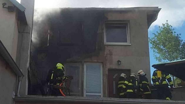 Nedělní požár domu v brněnských Černovicích.