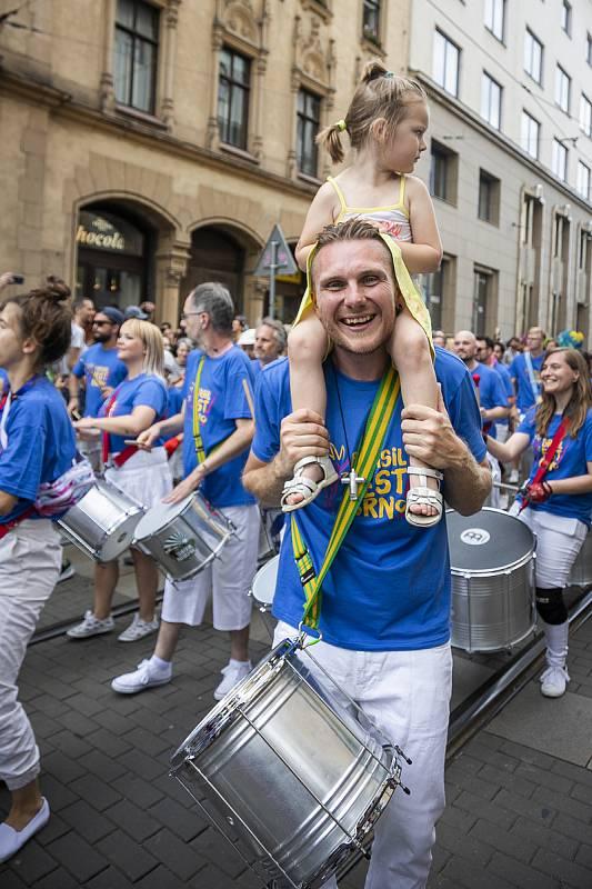 Rytmy Brasil Festu roztančily o uplynulém víkendu ulice Brna. Na řadu přišly i koncerty a další doprovodný program. Autorem fotografií je Tereza Rotterová.