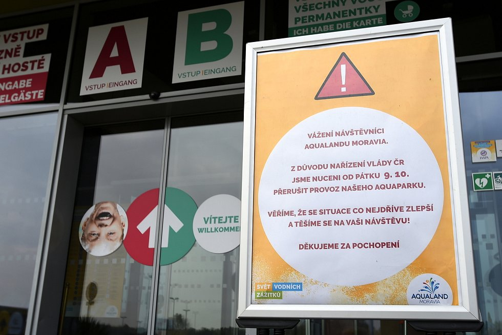 Protikoronavirová opatření, zavřené posilovny a sportoviště. (Aqualand Moravia)
