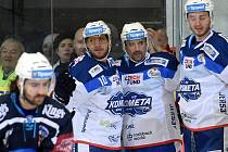 Kometa Brno (v bílém) porazila Plzeň těsně 3:2.