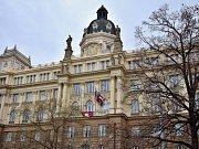 Na Krajském úřadu na Žerotínově náměstí v Brně vyvěsili tibetskou vlajku.