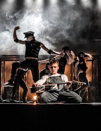 Národní divadlo Brno uvede vpáteční premiéře inscenaci Game over složenou ze dvou samostatných tanečních kreací: Catch 27a Palindrom