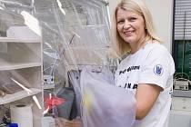 Monika Vítězová zkoumá prastaré organismy v prostředí bez kyslíku.