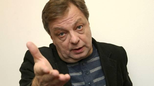 Herec Milan Šteindler (na snímku) a moderátor Miloš Knor se představili Brňanům v Divadle Reduta na Zelném trhu. Jako hosty si je do své pravidelné autorské talkshow Na forbíně TM pozval herec, bavič a moderátor Tomáš Matonoha.