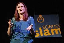 Ukázat, že i věda může být zábava, se ve středu už pošesté snažili účastníci takzvaného Science slamu. Na něm se vědci zábavnou formou představují své projekty.