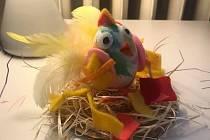 Velikonoční tvoření. Autorem velikonočního kuřete je Sabina Vodenková.
