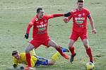 Fotbalisté Zbrojovky Brno (vlevo Jan Sedlák, vpravo Pavel Dreksa) remizovali 0:0 v utkání proti Zlínu.