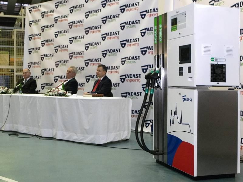 Prezident Zeman při návštěvě Adamova.