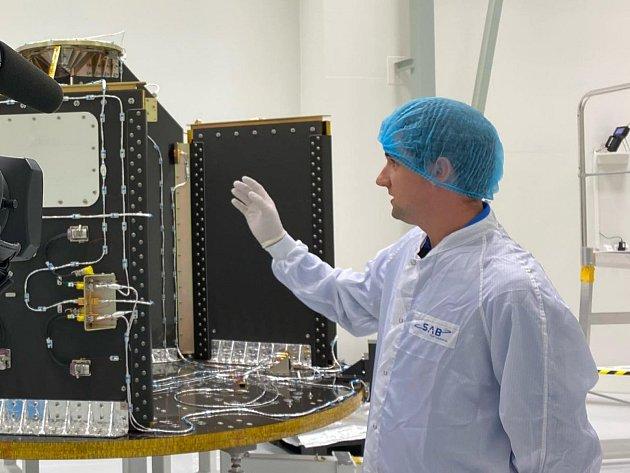 Vlaboratořích brněnské firmy SAB Aerospace vědci sestavili část vesmírné rakety Vega.