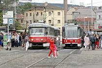 Městskou hromadnou dopravu v okolí brněnského hlavního nádraží čeká výluka. Dotkne se tramvajových linek i nočních autobusových spojů.