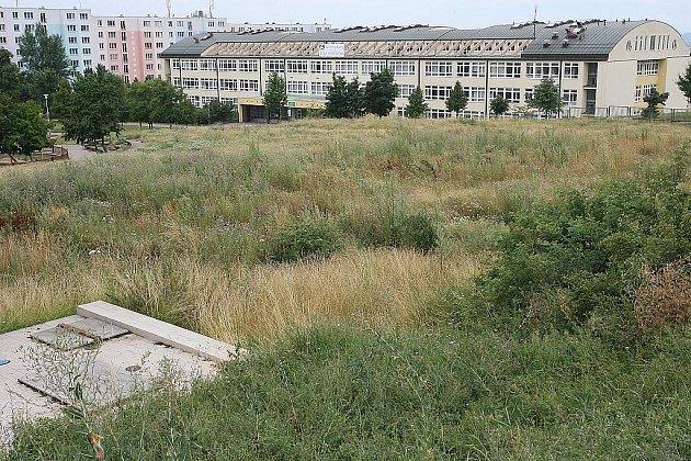 Místo pro výstavbu nových domů v ulici Horníkova v brněnské Líšni