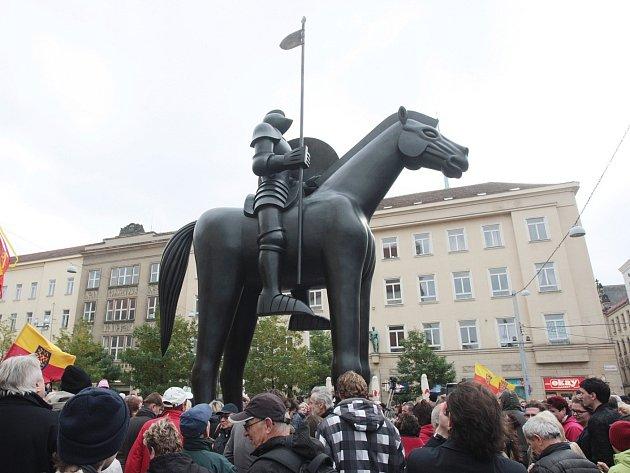 Socha Jošta na Moravském náměstí.