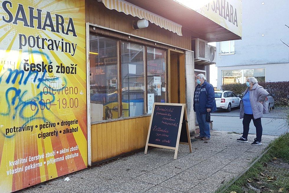 Nová pravidla platí od středy 18. listopadu pro provoz obchodů i v Brně.