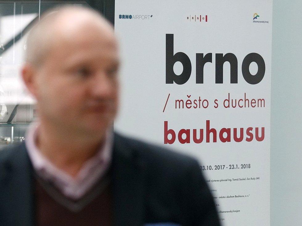 Derniéra výstavy Brno, město s duchem Bauhausu na brněnském letišti.