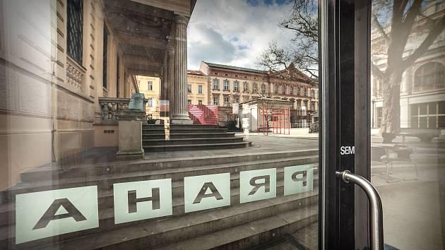 Po pěti letech končí provoz kavárny Praha v Brně v Husově ulici. Lidé ji znali hlavně díky netradičním nanukům.