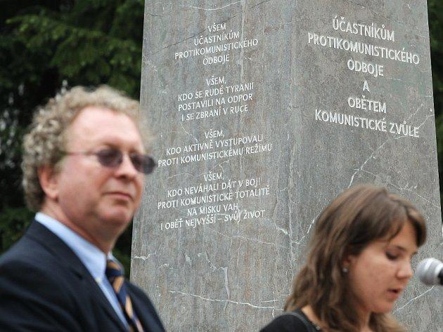Pietní akt u památníku protikomunistického odboje v brněnských Bohunicích.