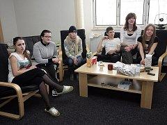 Skupinka studentů z Ruska zadržená na brněnském letišti v Tuřanech.