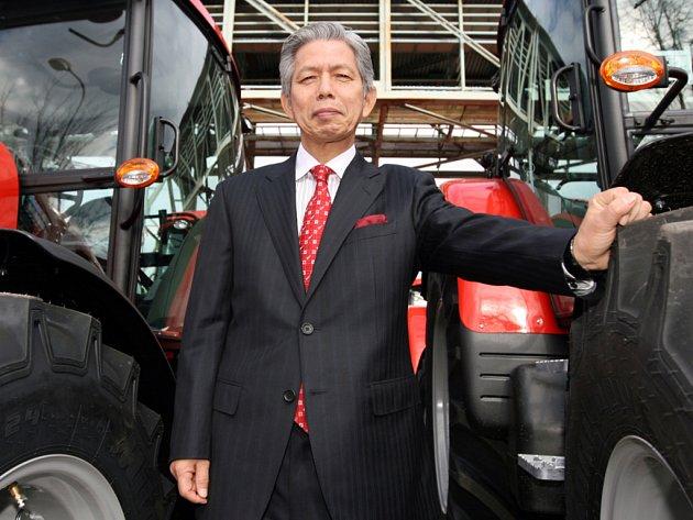 Nový prezident Zetor Group Masao Nagase je z Japonska. Kvůli Zetoru se učí česky, poznává Brno a chce do firmy přivést japonský styl řízení.